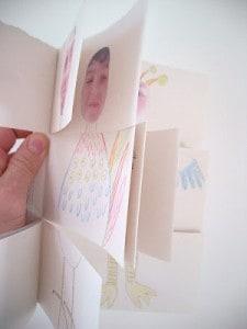 Activite-fille-dessin-avec-tete