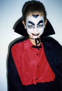 halloween_transformation_garcon_dracula