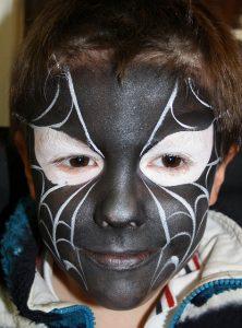 Maquillage petit garçon en homme araignée