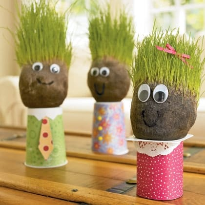 Comment créer un bonhomme avec des cheveux en herbes sur la tête