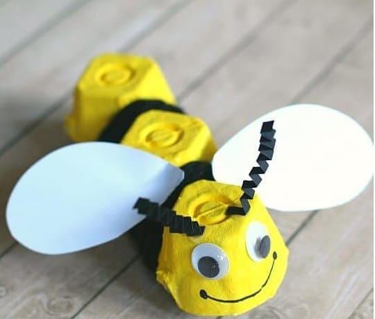 DIY en carton à oeuf, l'abeille, un animal facile à réaliser